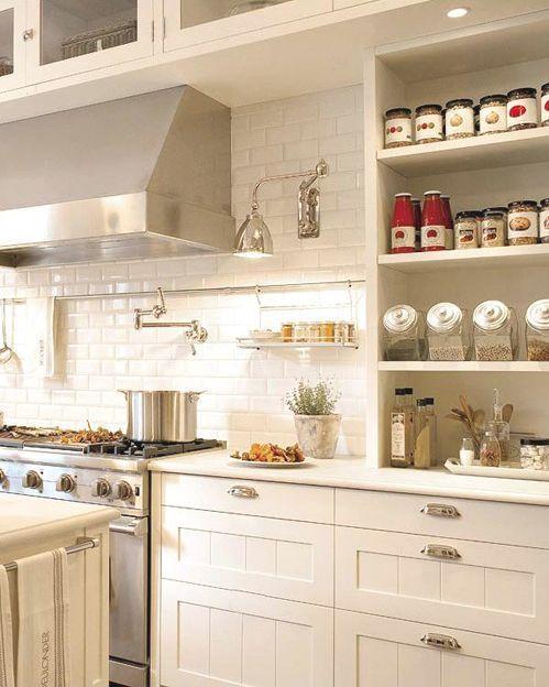 Cocina blanca de ladrillos