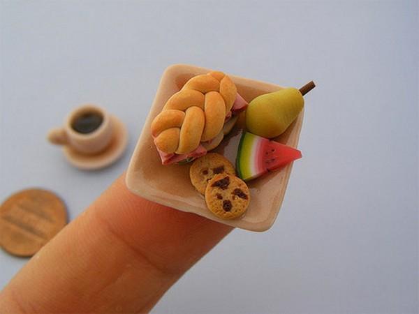 cocina en miniatura del artista Aaron Neck