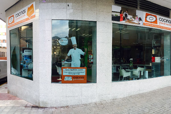 tienda cocinas puntocom benicasim fachada