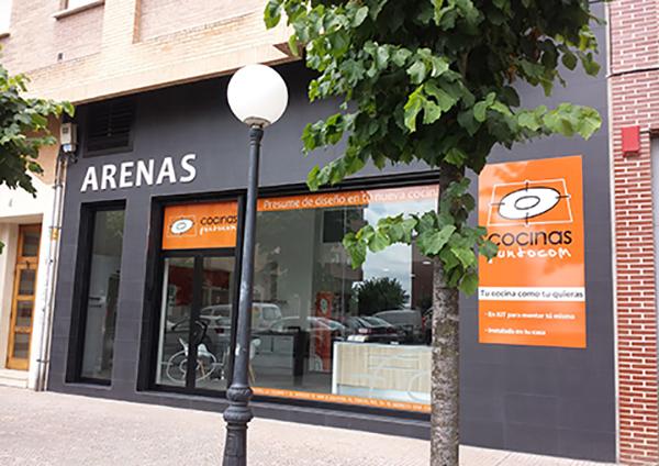 fachada tienda cocinas puntocom Santo Domingo de la Calzada